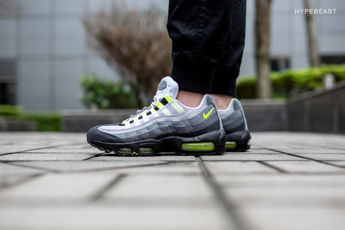 """A Closer Look at the Nike Air Max 95 """"Patch"""""""
