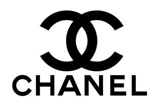 Huge Lines Form After Chanel Cuts Prices in China
