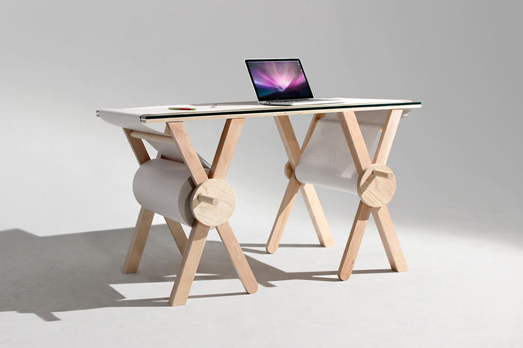 Never Forget a Thought With This Analog Memory Desk