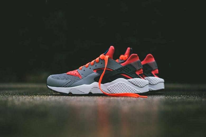 Nike Air Huarache Cool Grey/Bright Crimson