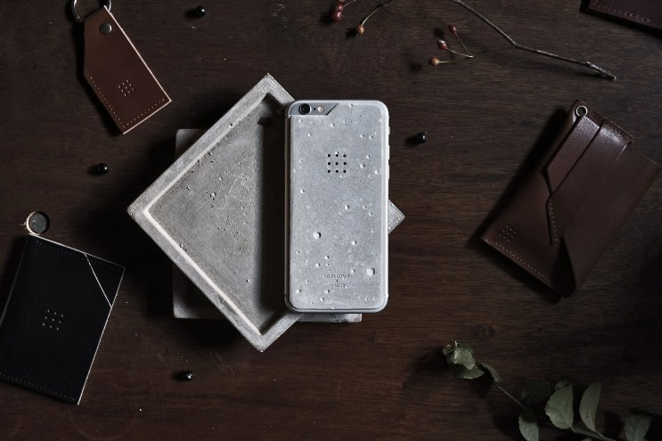 POSH-PROJECTS Luna Concrete Skin for iPhone 6