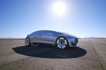 Take a Ride Inside the Fully Autonomous Mercedes-Benz F 015