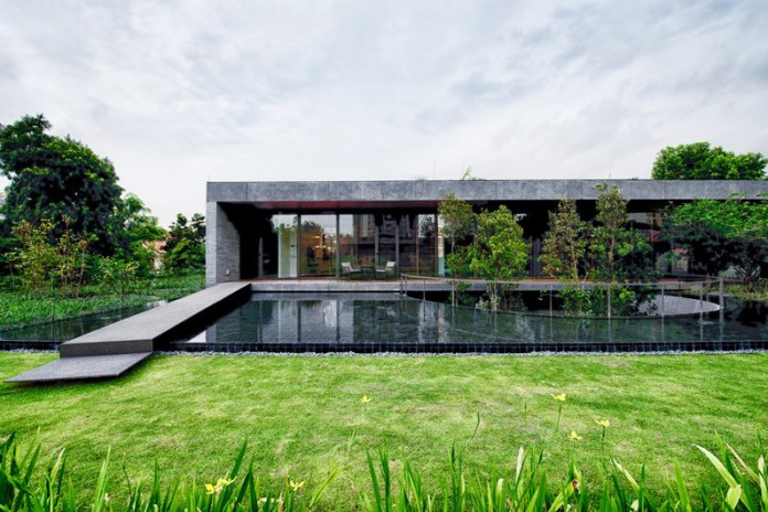 The Wall House by FARM Architects Overlooks Singapore Skyline