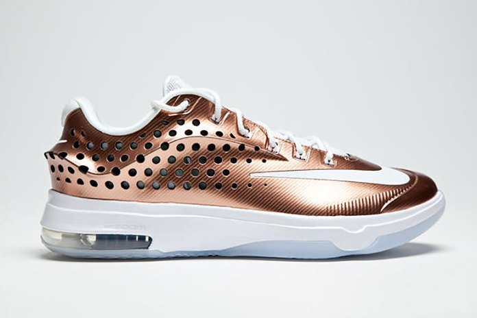 """A Closer Look at the Nike KD7 Elite """"EYBL"""""""
