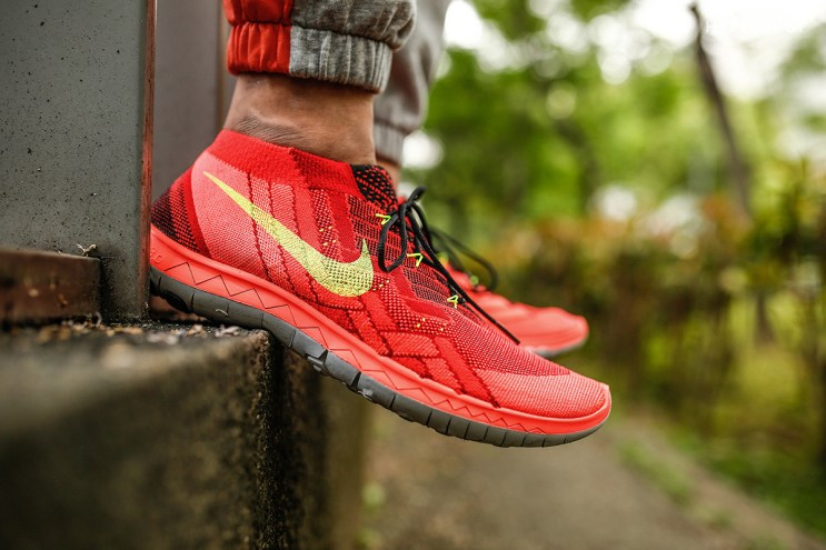 A Closer Look at the Nike Free 3.0 Flyknit Bright Crimson/Volt