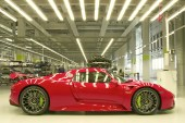 A Look at the Hand Assembly of the Porsche 918 Spyder