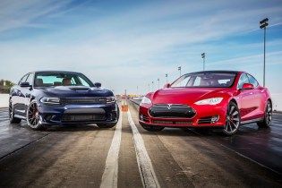 "Dodge Charger Hellcat & Tesla Model S P85D Face Off in Motor Trend's ""Head 2 Head"""