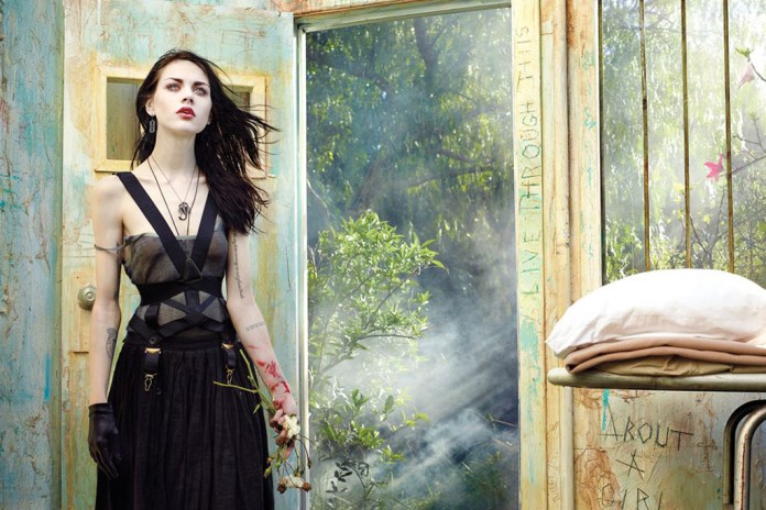Frances Bean Cobain Speaks to Rolling Stone About Nirvana, Her Father Kurt, Among Other Topics