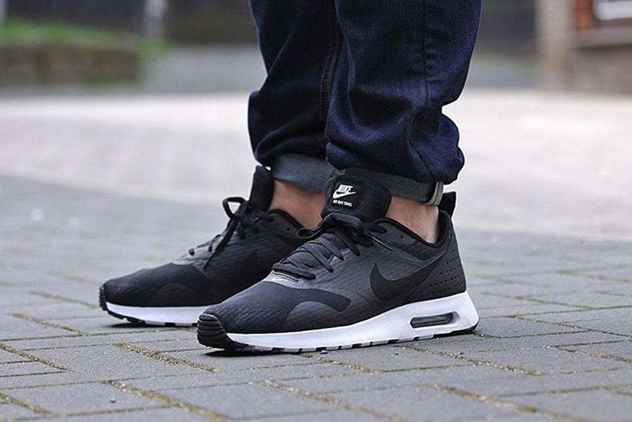 """Nike Air Max Tavas Essential """"Black/White"""""""