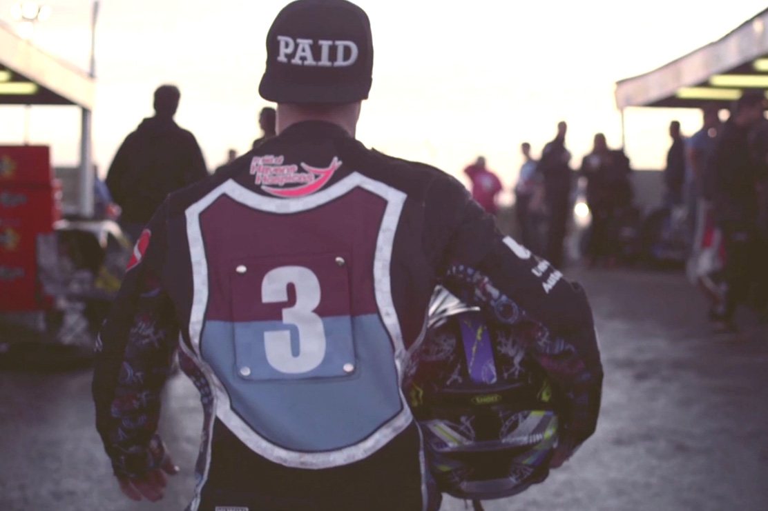 """NOWNESS Highlights the Forgotten Sport of Speedway Racing in """"When the Dust Settles"""""""