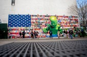 "Ron English's New ""Popaganda"" Bowery Mural Pairs an American Flag With a Hulk Baby"