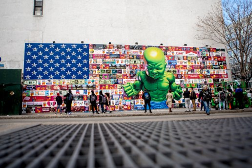 "Ron English's New ""Popaganda"" Bowery Mural Pairs an American Flag With a Hulk Baby"