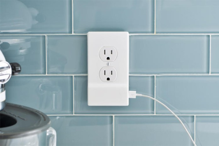 SnapPower Turns Your Outlet Into a USB Charger