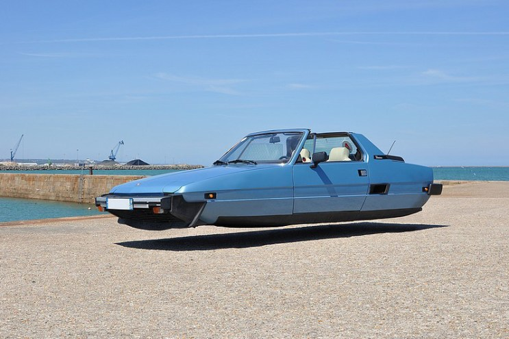 "Sylvain Viau ""Flying Cars"" Photo Series"