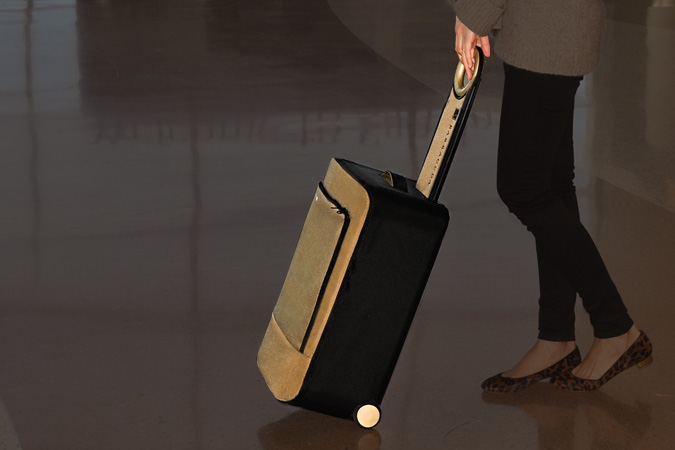 The Barracuda Collapsible Luggage Has a Built-In Tray, GPS and USB Charger