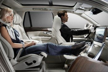 Volvo Debuts Lounge Console Concept at Shanghai Motor Show
