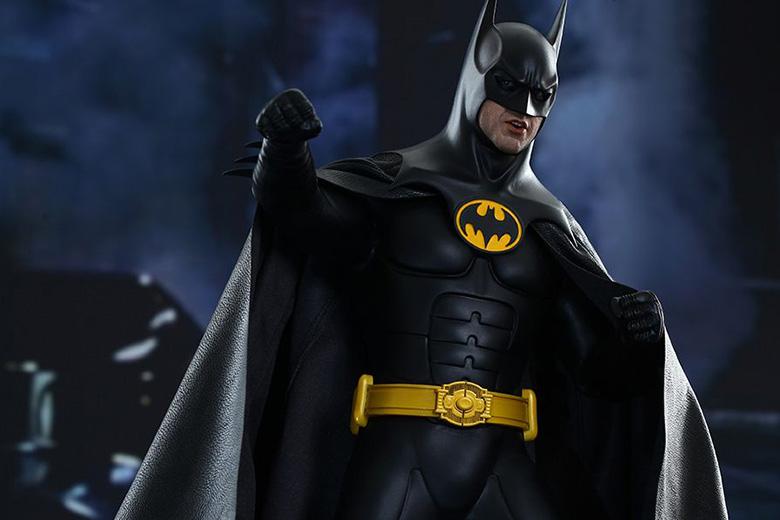Hot Toys 'Batman Returns' Batman and Bruce Wayne 1/6th Scale Collectible Figures