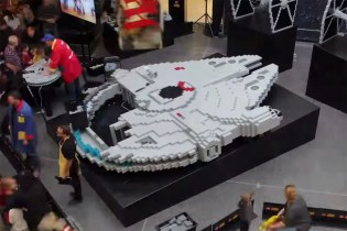 Construction of the World's Largest LEGO Millennium Falcon, Built From 250,000 Bricks