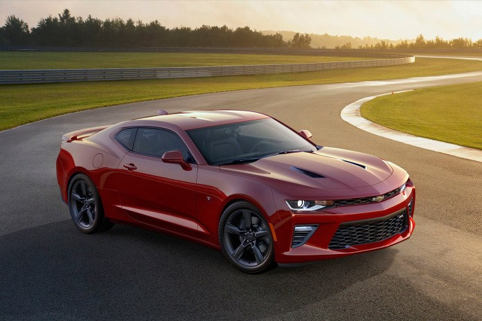 Chevrolet Reveals the Slimmed Down 2016 Camaro