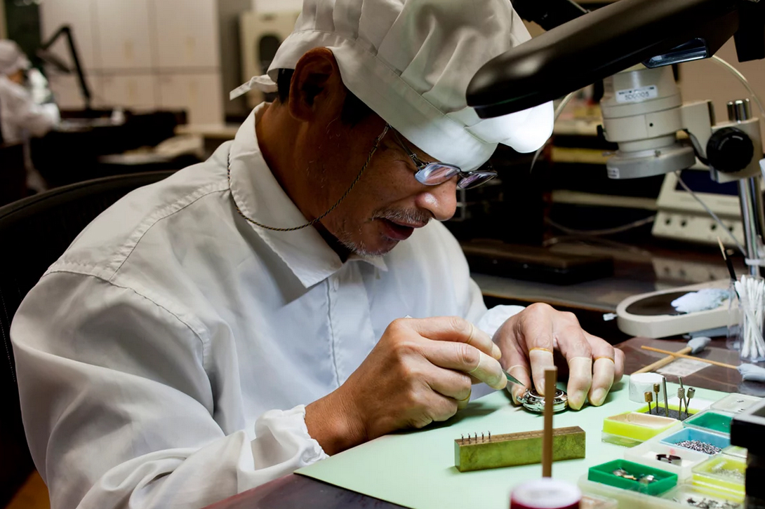 Inside Seiko's Watchmaking Factory in Japan With HODINKEE
