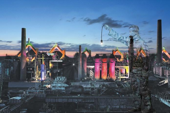 "Liu Bolin ""The Distance to the Eyes"" @ Magda Danysz Gallery"