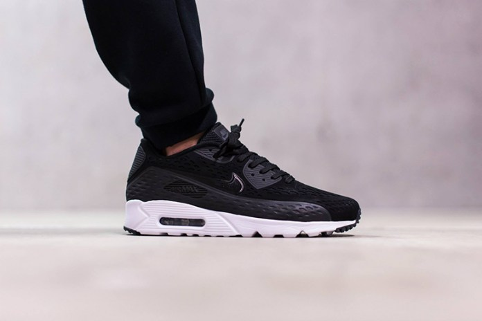 "Nike Air Max 90 Ultra Breeze ""Black"""
