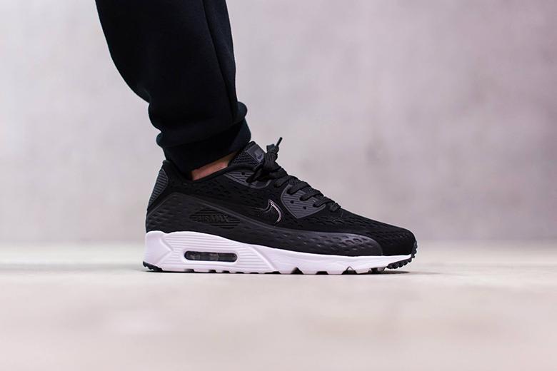 "Nike Air Max 90 Ultra Breeze ""Black"""