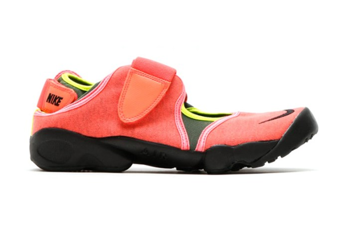 """Nike Air Rift """"Hot Lava"""""""