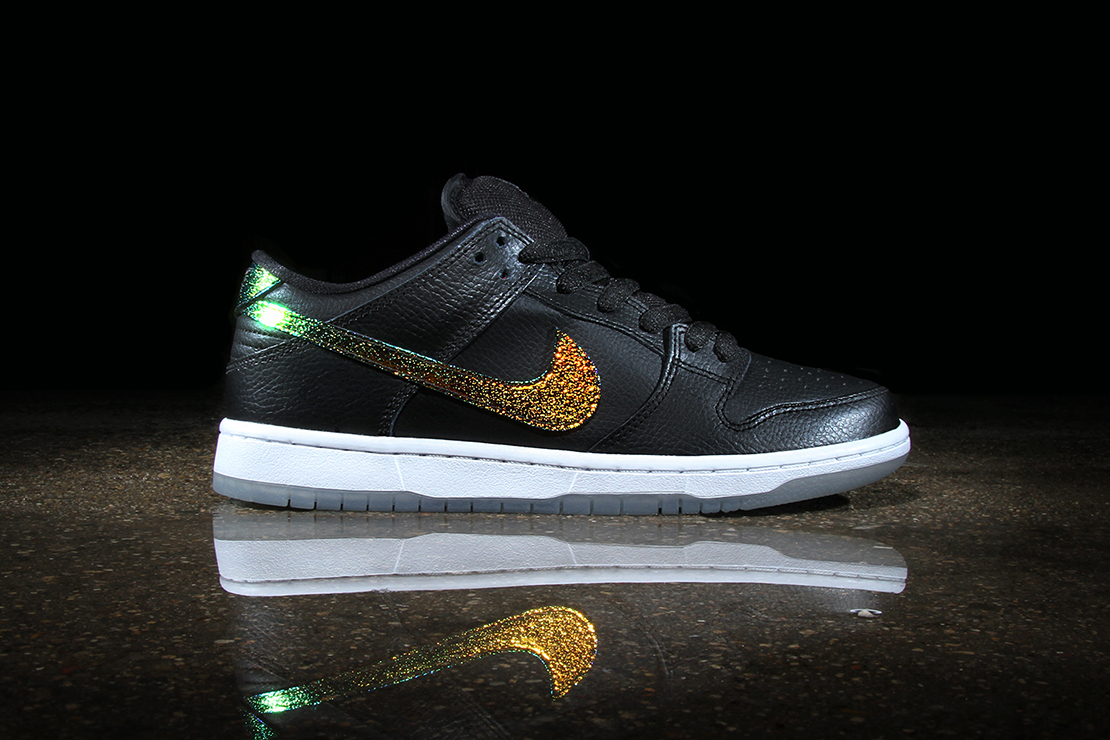 "Nike SB Dunk Low Pro ""Sparkle"""
