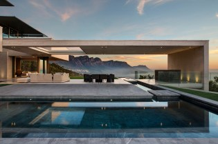 SAOTA and Studio Parkington Create a Cliffside Cape Town Home With Stunning Views