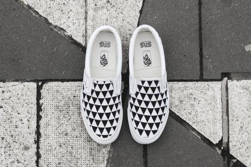 "Sneakersnstuff x Vault by Vans OG Classic Slip-On LX ""Stockholm"""