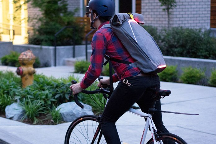 The Brakepack Helps Cyclists Communicate With Drivers on the Road