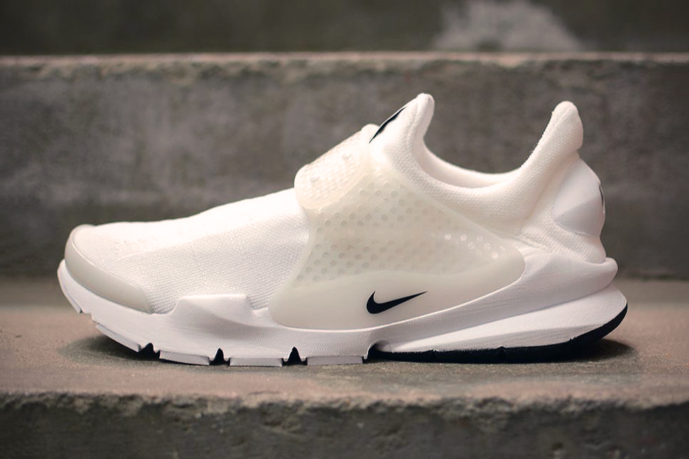 """A First Look at the Nike Sock Dart """"Independence Day"""" Pack"""