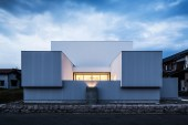 Courtyard House by Kouichi Kimura Architects