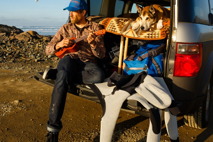 """""""Denali"""" Is the Heartbreaking Story of a Cancer-Battling Man and Dog"""
