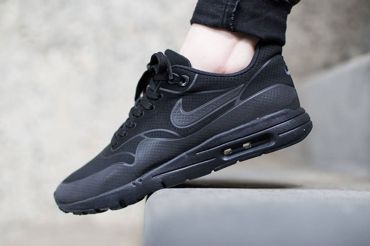 nike-air-max-1-ultra-moire-black-black-a