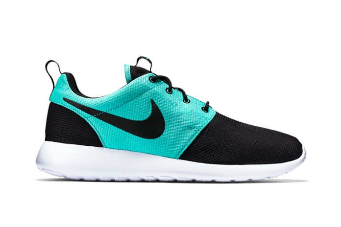Nike Roshe One Black/Light Retro