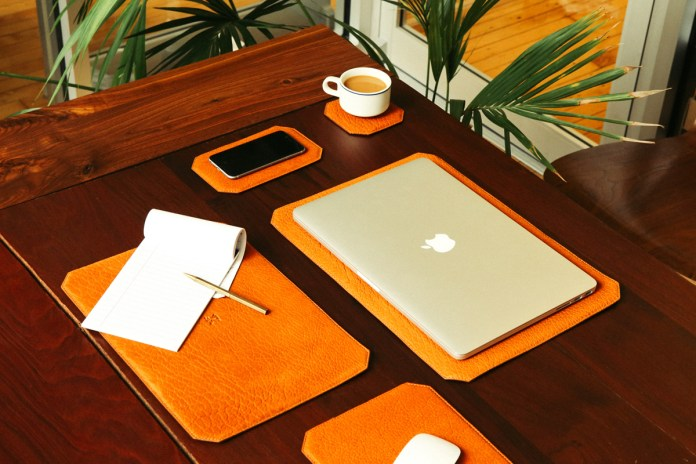 """Parabellum """"Tech Blotter"""" Desk Goods Set"""