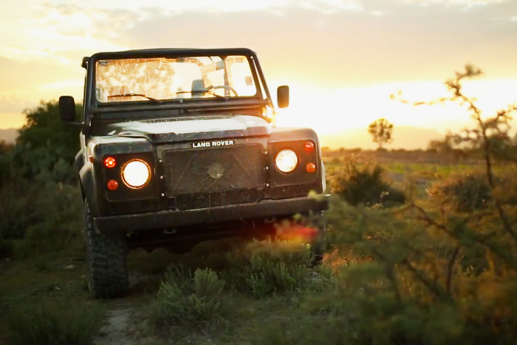 Petrolicious Traverses Mexico With the Land Rover Defender