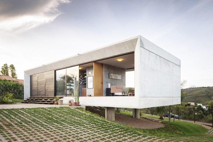 Solar de Serra House by 3.4 Arquitetura