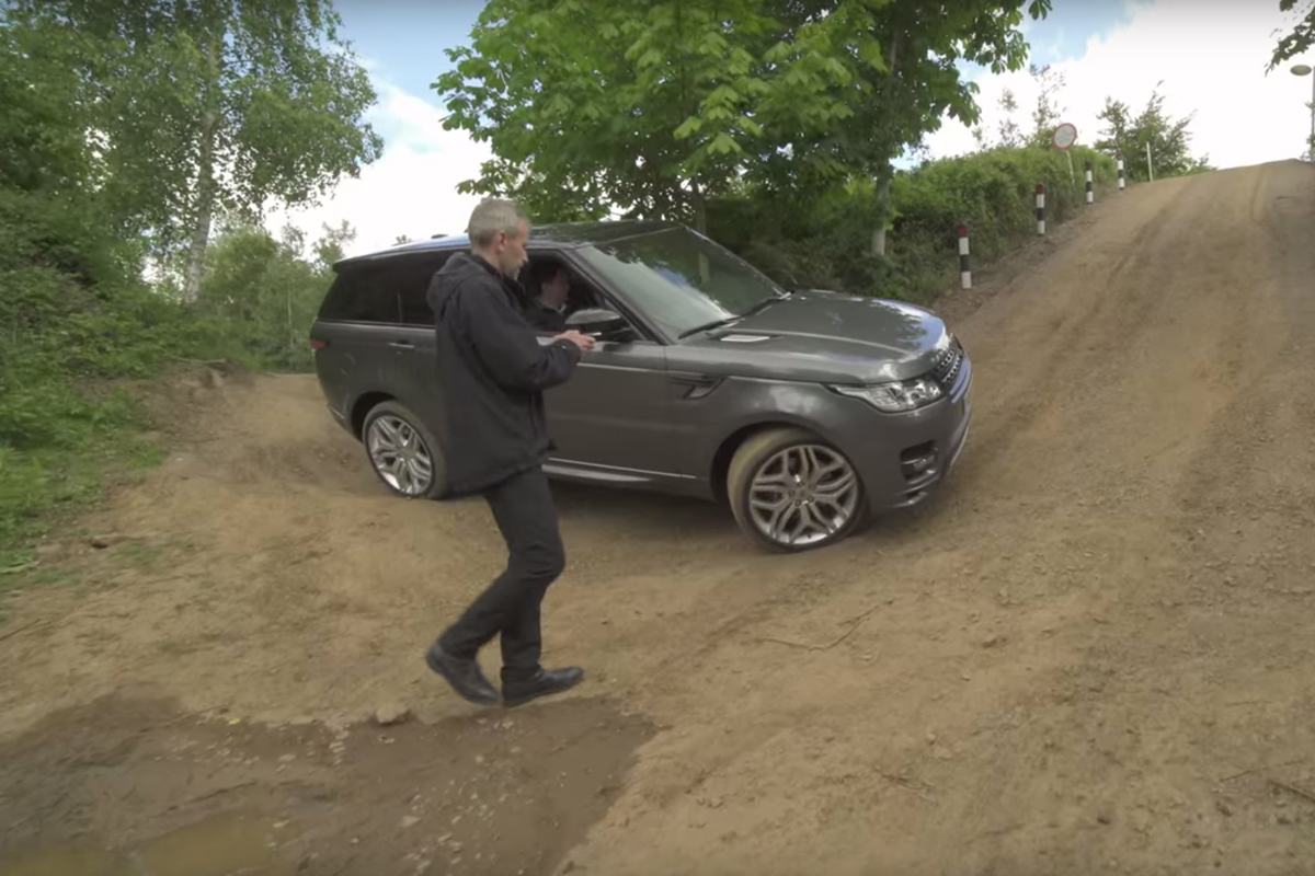 The Next Range Rover Sport Could Be Remote-Controlled From Your Smartphone