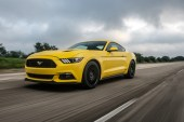 This Is What 207mph Feels Like in a Ford Mustang GT