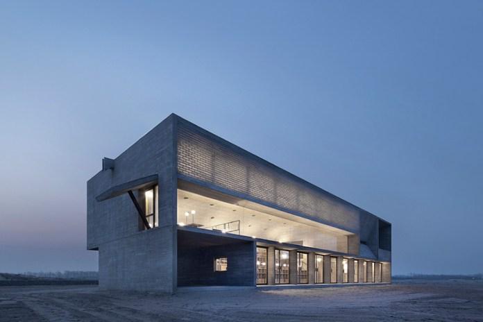 Vector Architects Design a Seashore Library