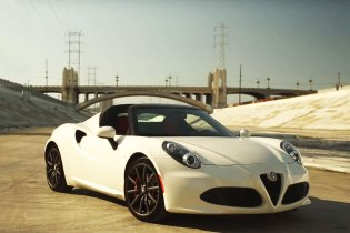 A Closer Look at the 2015 Alfa Romeo 4C Spider