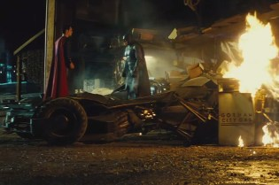 'Batman v Superman: Dawn of Justice' Comic-Con Trailer