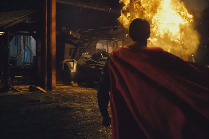 'Batman v Superman: Dawn of Justice' IMAX Trailer