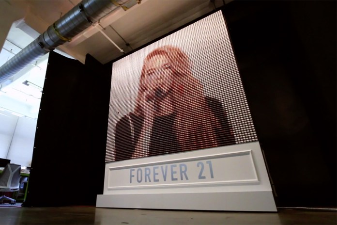 "Forever 21's ""Thread Screen"" Displays Instagram Pics in Fabric"