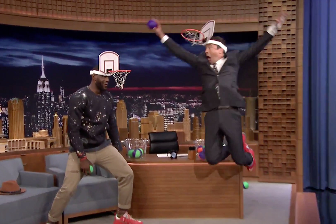 """LeBron James & Jimmy Fallon Square Off in """"Faceketball"""" on 'The Tonight Show'"""
