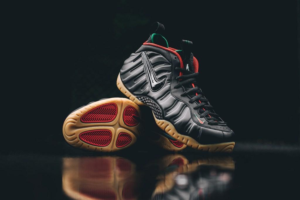 828a917e4b8 ... Sneaker Bar Detroit · Closer Look Nike Air Foamposite Pro Gucci  HYPEBEAST
