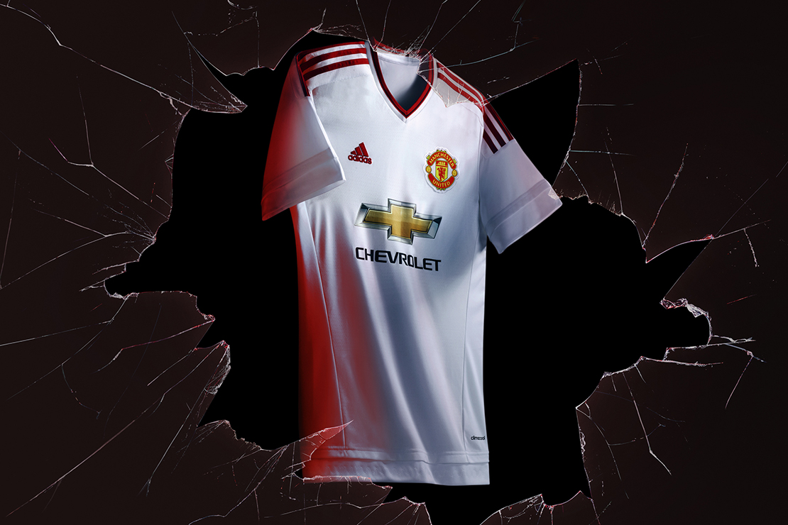 adidas Unveils Manchester United's 2015/16 Away Kit